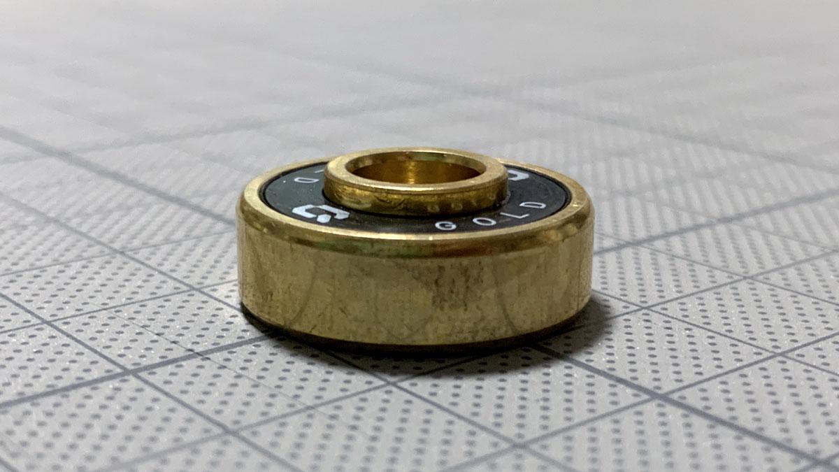 写真5 「Decode GOLD」の内輪のボスの出っ張り
